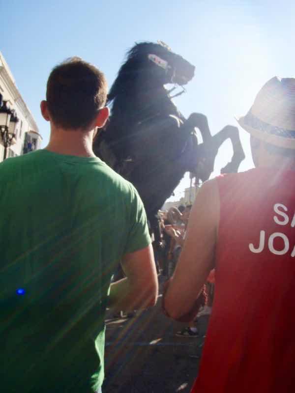 623メノルカ島 サン•フアン 馬祭り Menorca 馬 赤緑
