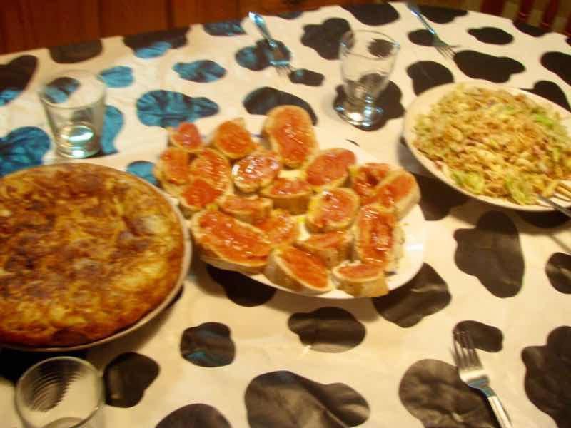 623スパニッシュオムレツ トマトガーリックトースト