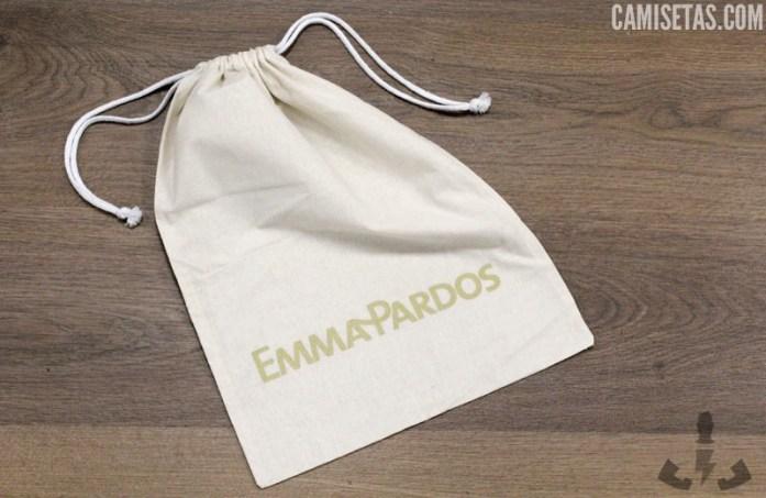 50109aafd En estos sacos de tela personalizados pueden caber varios artículos:  camisetas, sudaderas, jerseys, pantalones, bolsos, zapatos…