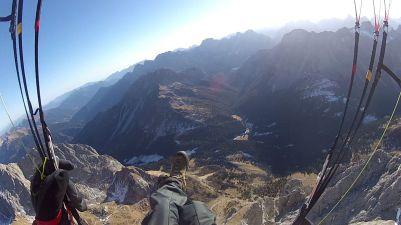 220 La vallata sotto il Monte Peralba