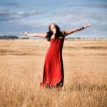 OLTRE IL PESO DELLA FORMA… (COME PRENDERTI CURA DEL CORPO E NUTRIRTI CON PIACERE ) di Laura Cociancig