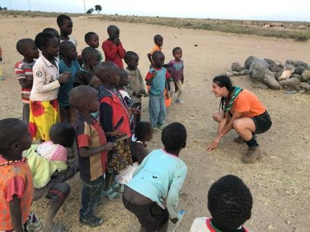 Tra i bambini masai