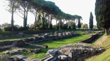 Aquileia via flavia.jpg