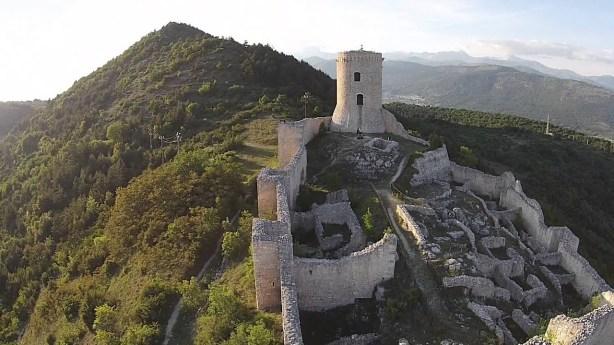 castello bominiaco.jpg