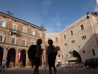 Cammino Terre Mutate Tappa 1 Fabriano Matelica centro storico di Fabriano