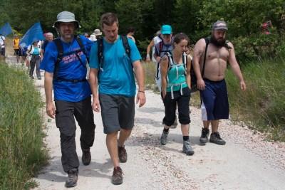 Cammino Terre Mutate Tappa 1 Fabriano Matelica gruppo di marciatori