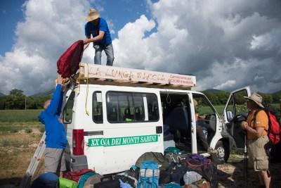Cammino Terre Mutate Tappa 2 Matelica Pioraco Camerino i bagagli della lunga marcia
