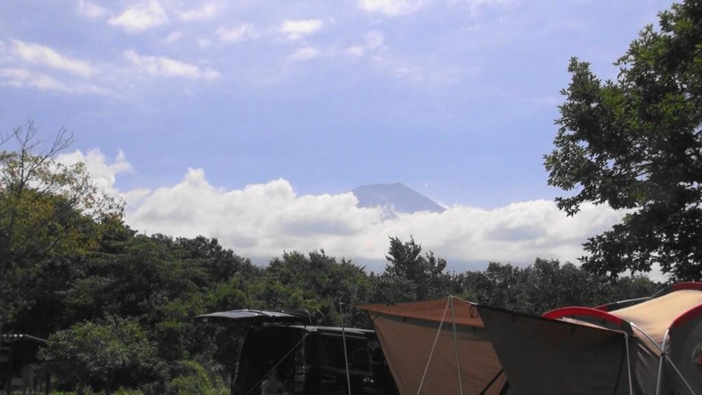 富士山が少し見えた