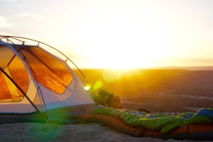 Camping & voyages - les tendances 2018 : vanlifers, voyages écolos...