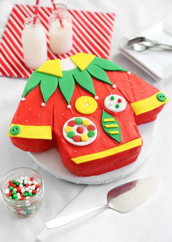 17-creative-christmas-cakes