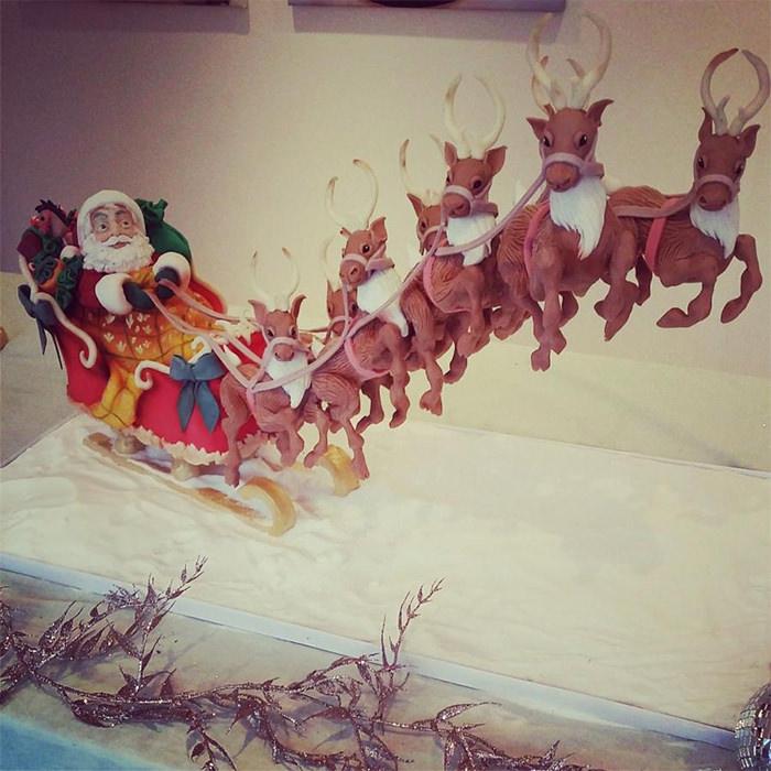 22-creative-christmas-cakes