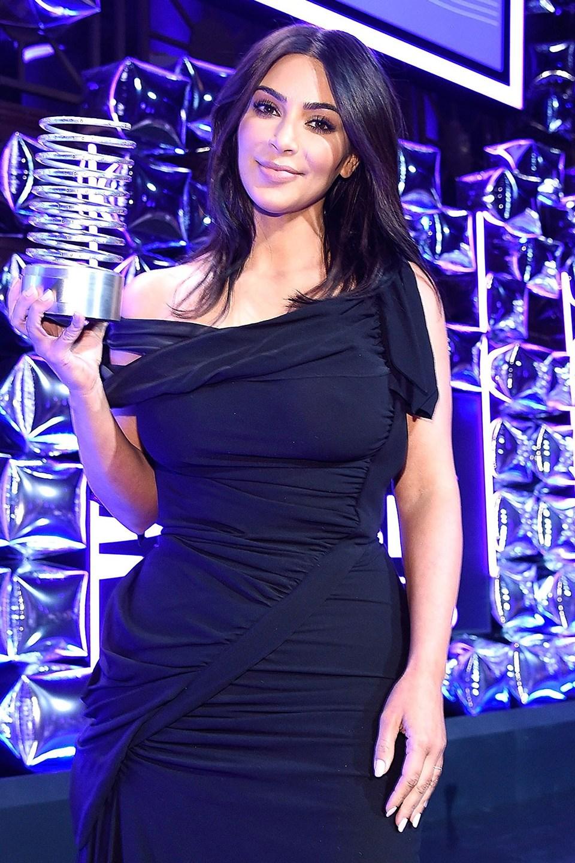 Kim Kardashian's Receiving an Award for Breaking theInternet
