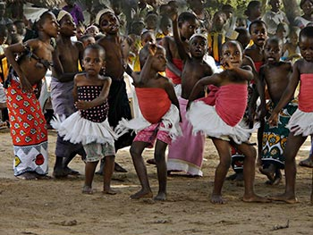 www.southport-ps.co.uk:SPSWebsite:page26.html'Kenyan Children At Tribal Dancing Competition' by Sheila Davies
