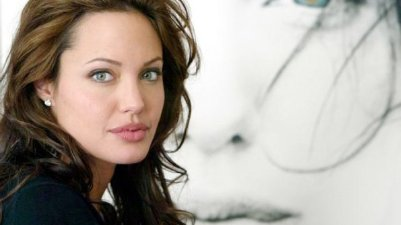 Angelina-Jolie---no-caption