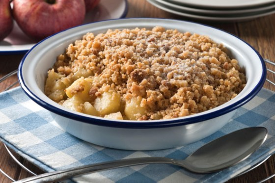 apple-crumble-alamy590130411