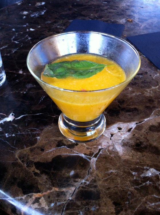 Name forgotten: vodka, passion fruit and basil