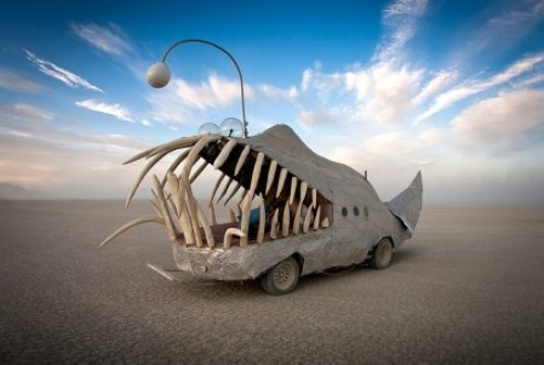 burning-man-2012-nevada-balck-rock-desert-shark-car-2011-by-scott-london-449x301