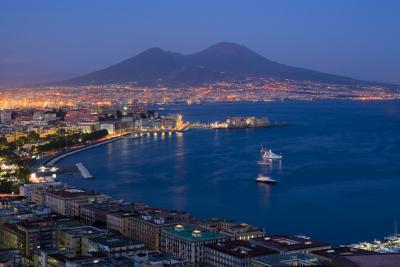 The gulf of Naples (image usatoday)