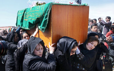Afghani women carrying Farkhunda's coffin
