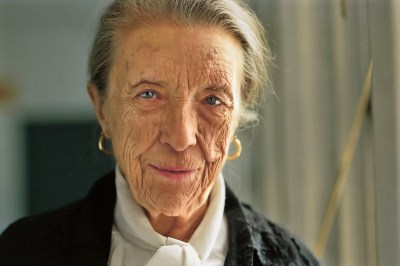 louise-bourgeois-portrait-photo-jeremy-pollard-copyright-1