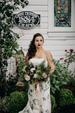 Canby Oregon Bride with tattoos