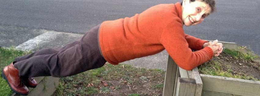 mum-planking-fb-cover