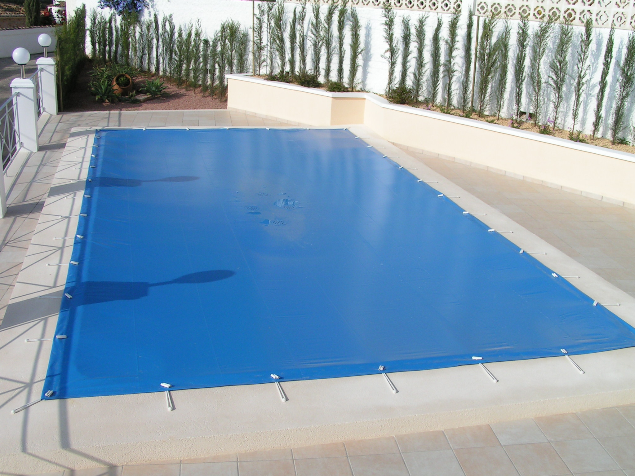After reading this article and viewing all the pictures, you will know more than your pool company does about closing your inground pool. Checklist For Your Spring Pool Opening In Oak Ridge And Jefferson City