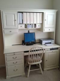 Beautifying And Organizing The Desk | CampClem