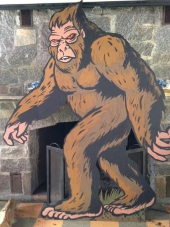 squatch-wooden-huge