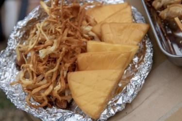 キャンプ料理をグレードアップ!SOTOの製品で作る燻製レシピ