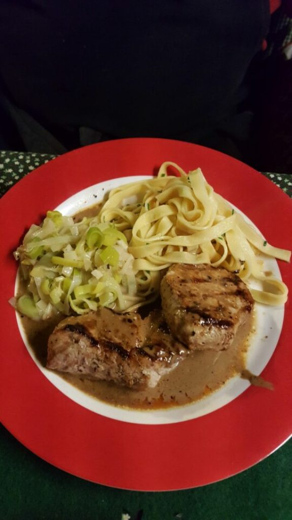 Leckeres Abendessen im Wohnmobil