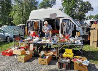 Flohmarkt Verkauf mit dem Wohnmobil