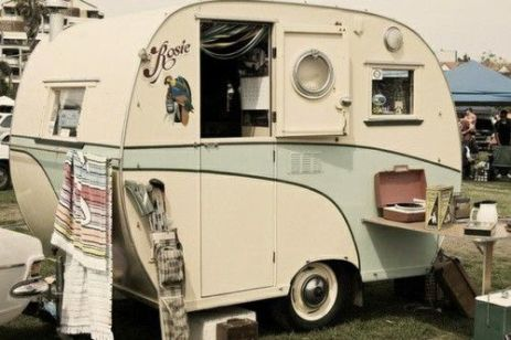 Awesome Vintage Camper Decorations Ideas19