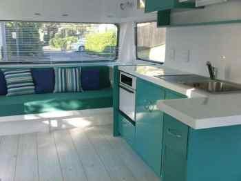 Badass DIY Camper Van01