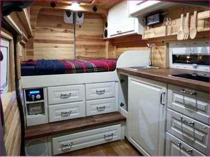 Van Home 8