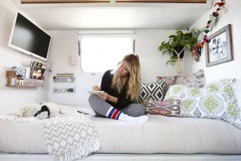 Camper Bedroom 15