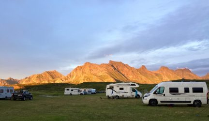 Fredvang Camping um Mitternacht