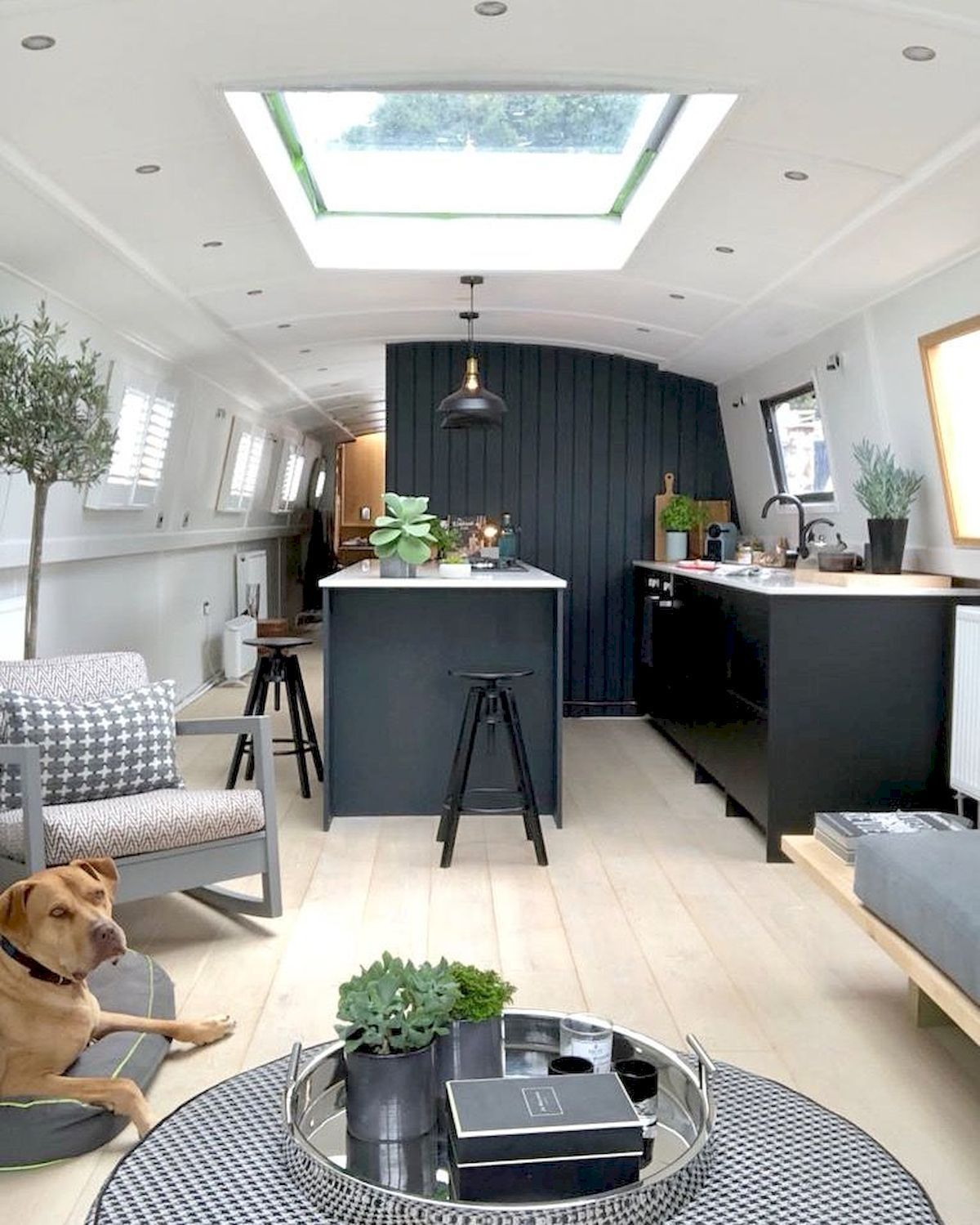 13 RV Trailer Remodels Ideas You Need to See