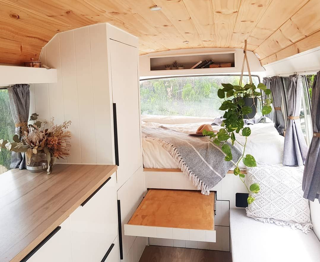 18 Best DIY Camper Reno