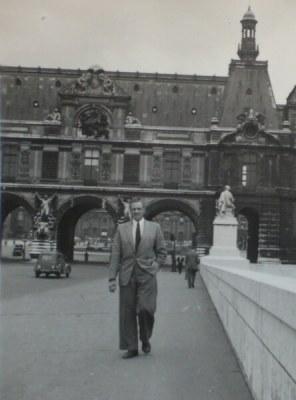 Hans Alma tijdens een van z'n reizen.