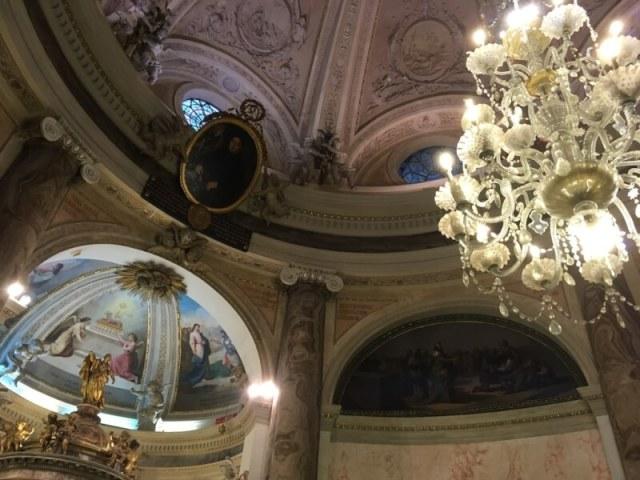 De koepel van het kerkmuseum Oratorio de la Santa Cueva in Cadiz. Een indrukwekkend geheel met schilderingen van onder andere Velázquez en Francisco de Goya. Die stilte...