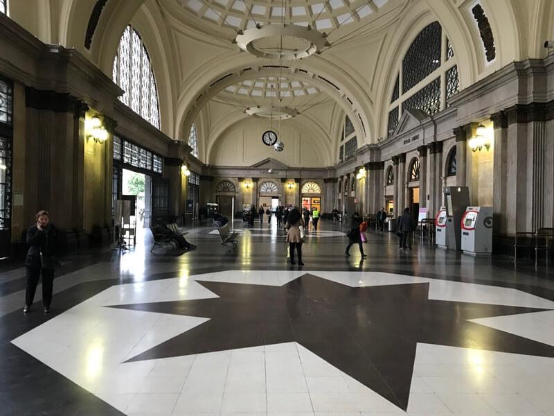De hal van Station de Franca.