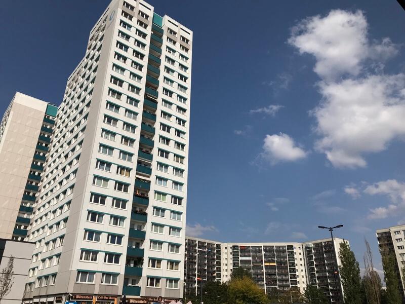 Waar je ook kijkt, bijna overal zie je flats.