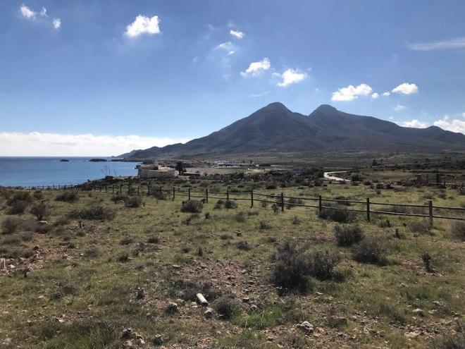 De uitgebluste vulkanen Del Fraile bij Los Escullos.