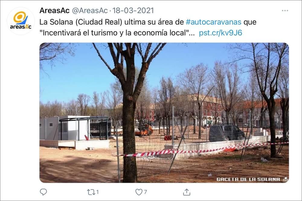 Steeds meer gemeentes zien het nut van de aanleg van camperplekken in, meldt de Spaanse belangenvereniging van camperaars AreasAC. Hun tweet vermeldt de gemeente La Solana die een camperplek aanlegt om toerisme en de lokale economie te stimuleren.