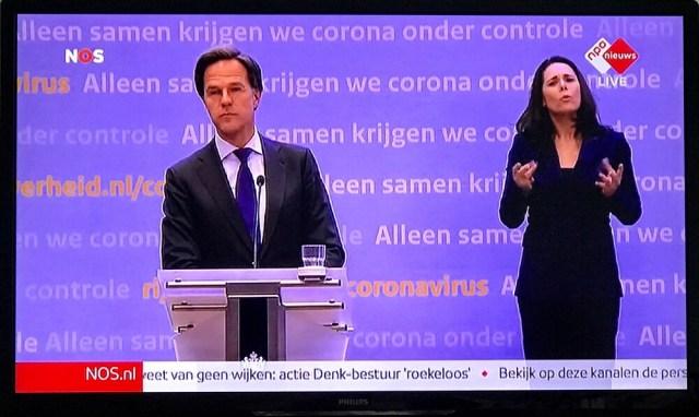 De Nederlandse premier Rutte op de Corona-persconferentie van 6 mei
