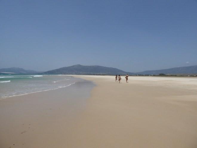 Voor de echte strandwandelaar is de route van Tarifa naar Playa de los Lances een aanrader.