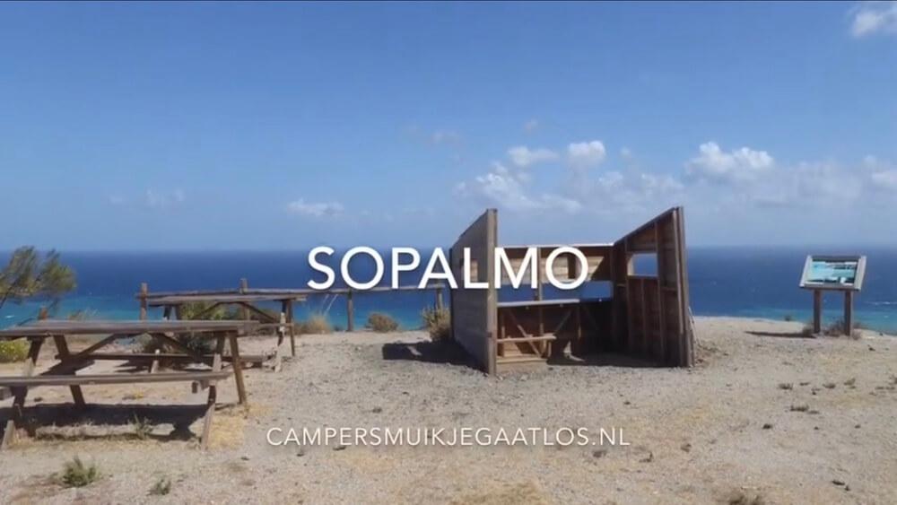 Sopalmo ligt tegen het noorden van natuurpark Cabo de Gata aan.