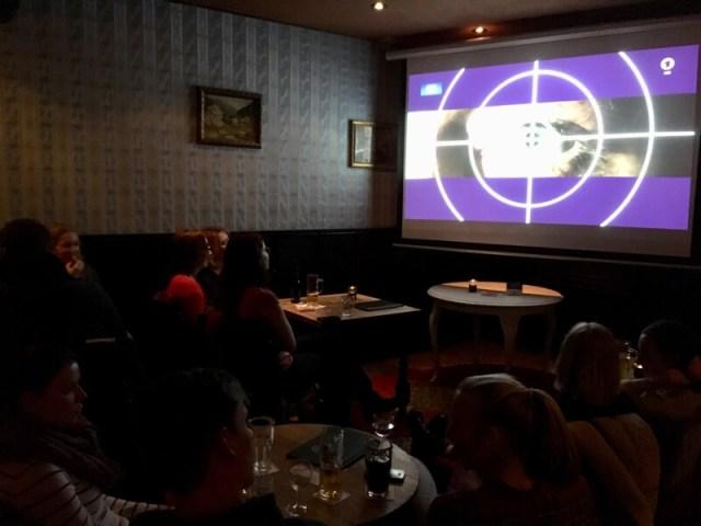 Het Tatort-café heeft vijf beeldschermen en drie ruimtes waarin de populaire krimi gevolgd kan worden.