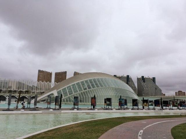 Het wetenschappelijk en artistiek museumcomplex  Ciutat de les Artes - Les Ciènces is met de fiets te bereiken.